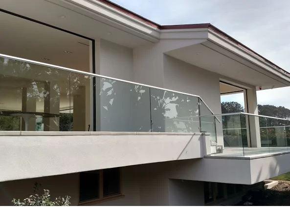 Sorrento Glass & Mirror Company