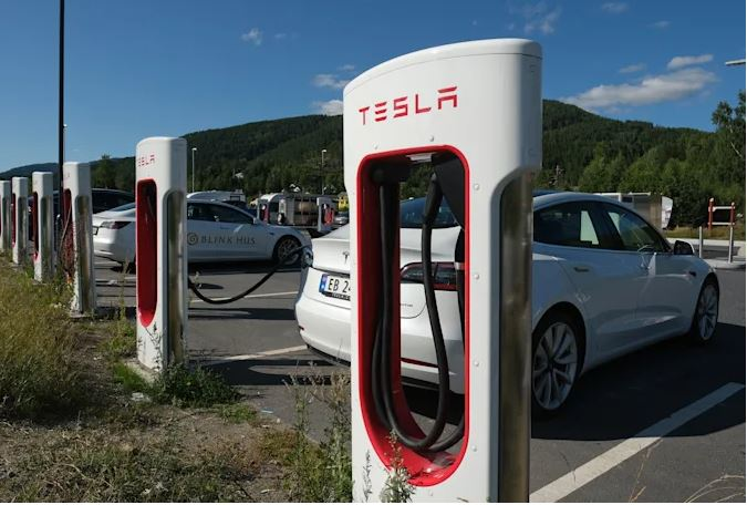 Norway fines Tesla for reducing battery capacities and charging speeds