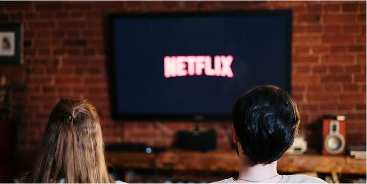 How to Make Use of Smart Downloads on Netflix