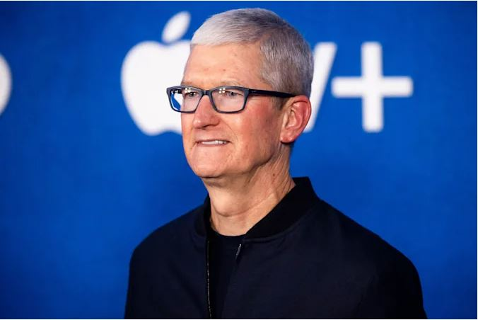 Apple reportedly delays office return as US COVID-19 cases rise